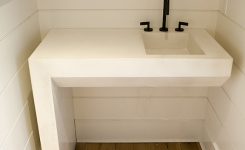 white-single-leg-sink